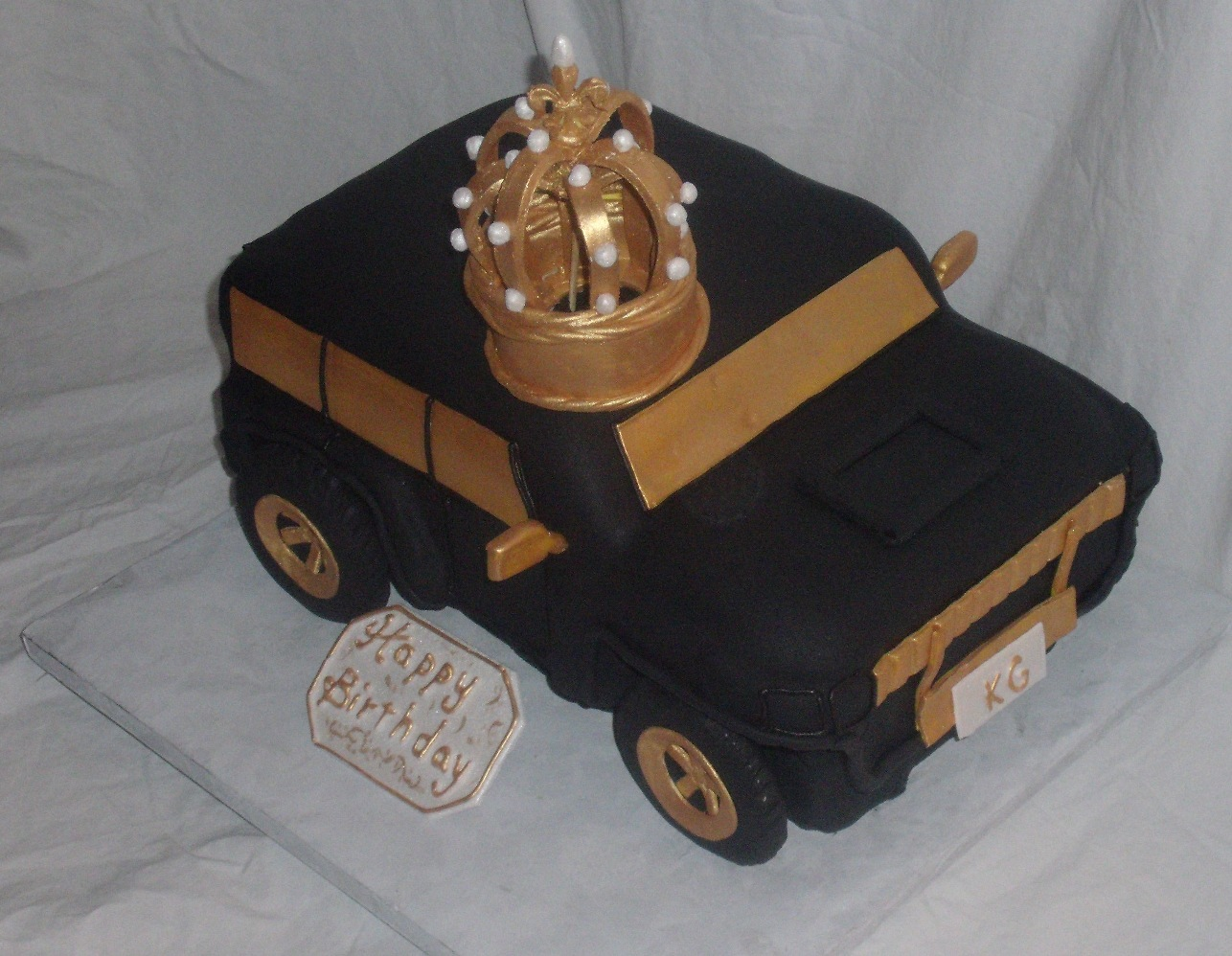 2010 Hummer Car Cake with Edible Kings Crown