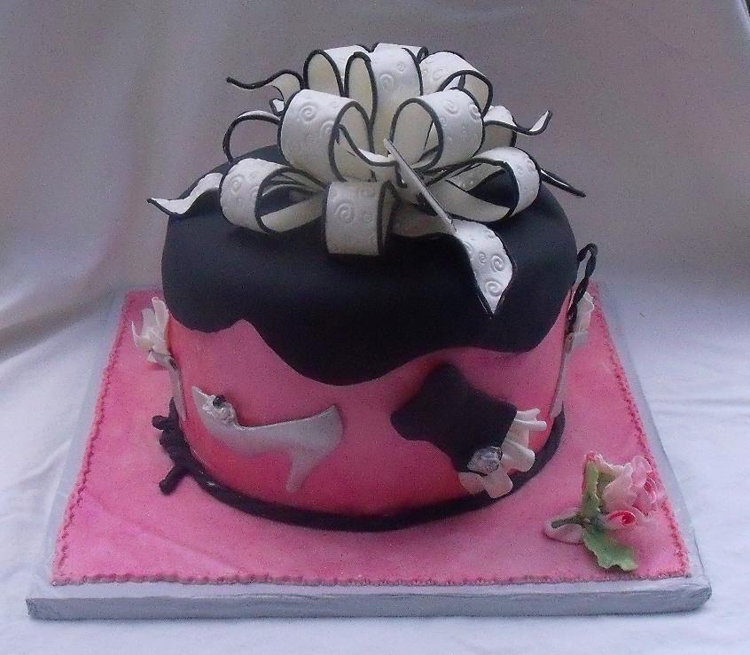 sixteen fondant cakes