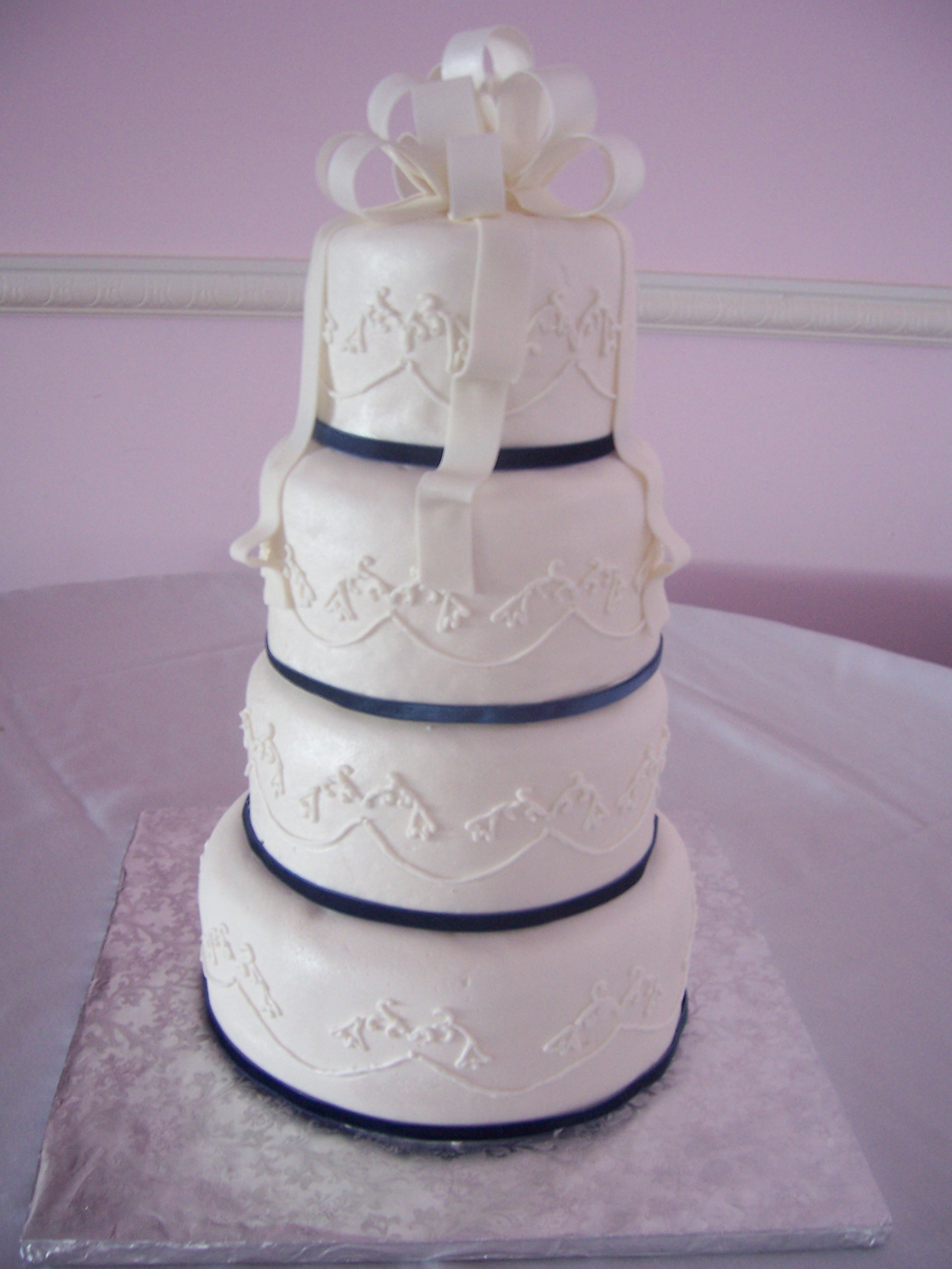 Gallery For Simple Royal Blue And White Wedding Cakes