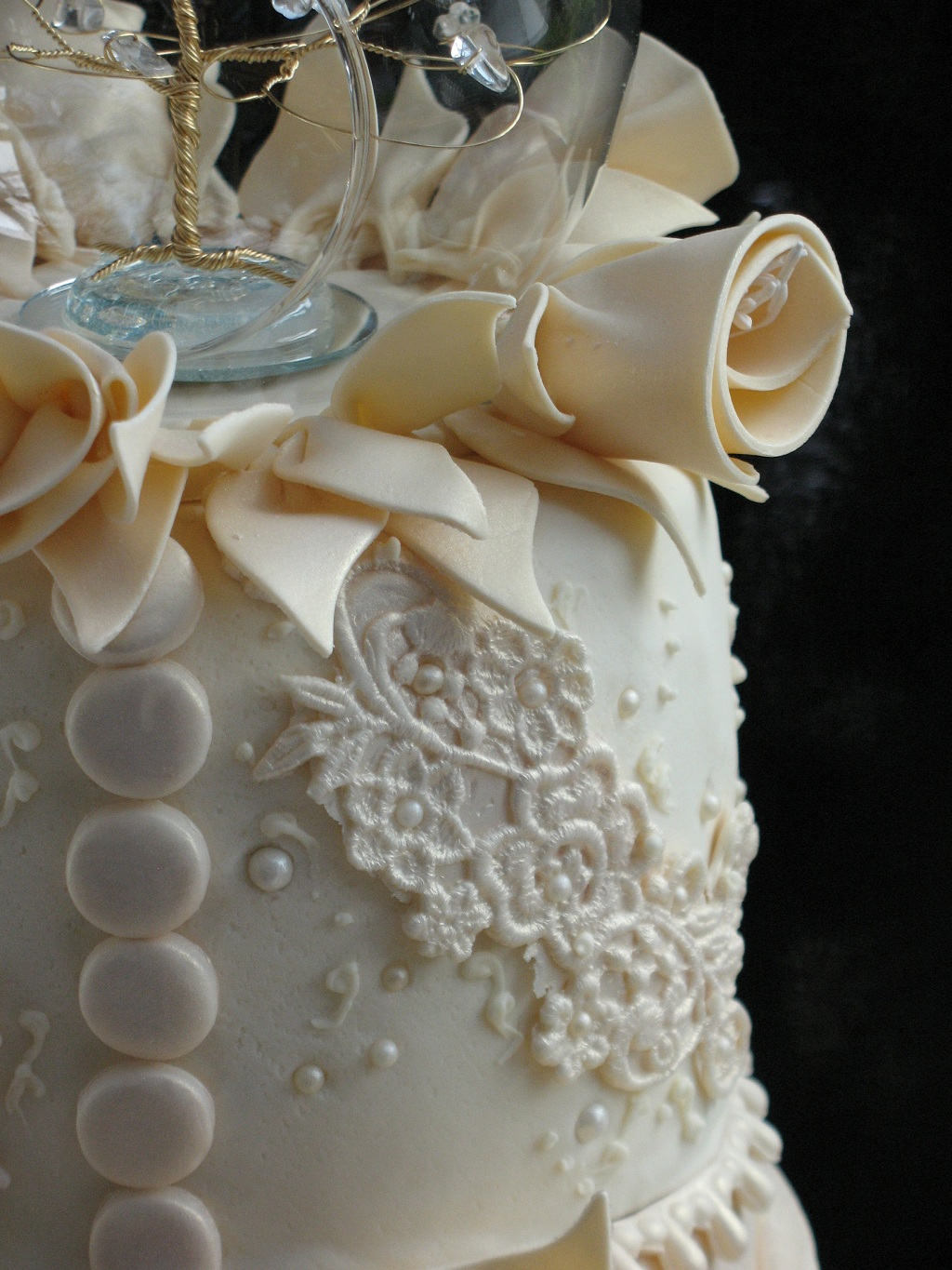 Ivory Wedding Cake With Pearls Viewing Gallery