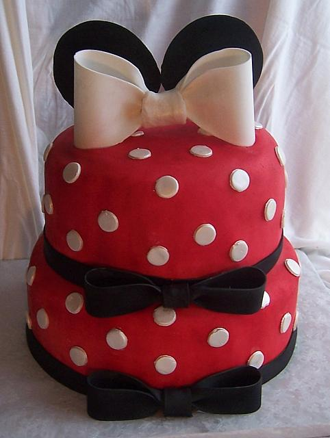 Minnie Mouse Cake.. another main view
