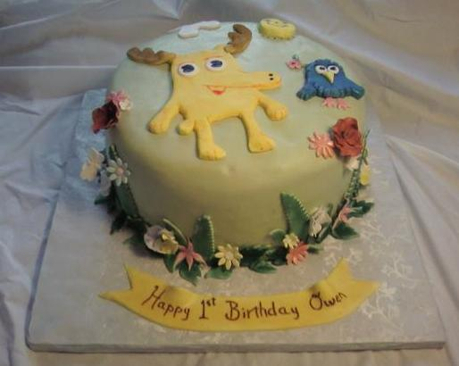 Moose and Zee cake main view