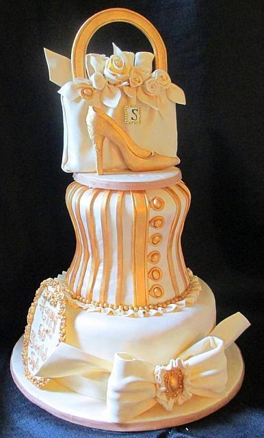 Corset Cake Dummy