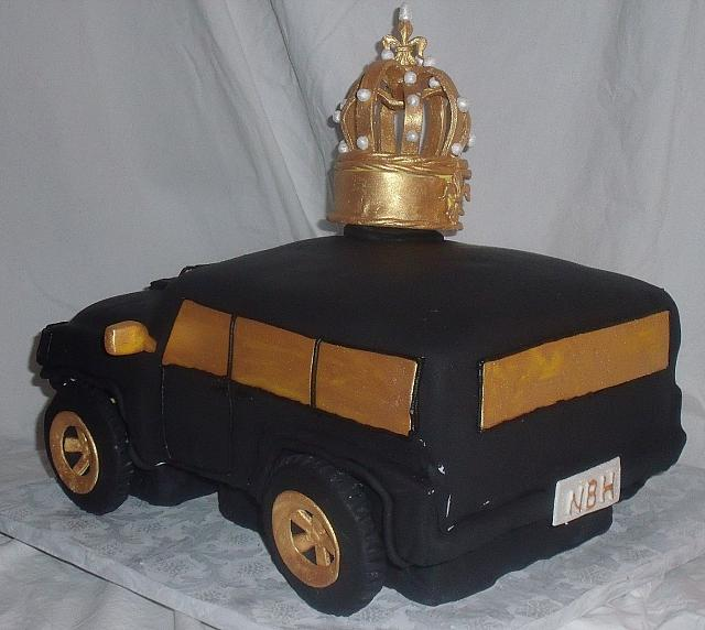 2010 Hummer Car Cake With Edible Gumpaste King's Crown back view