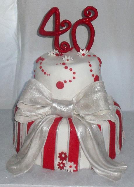 40th Anniversary Whimsical Silver Red Stripes Bow Cake front view