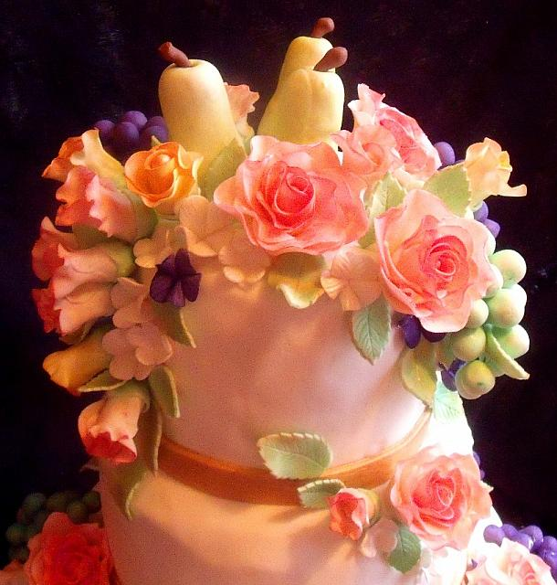Edible Pears, Grapes, Roses, Rose buds Topper close up