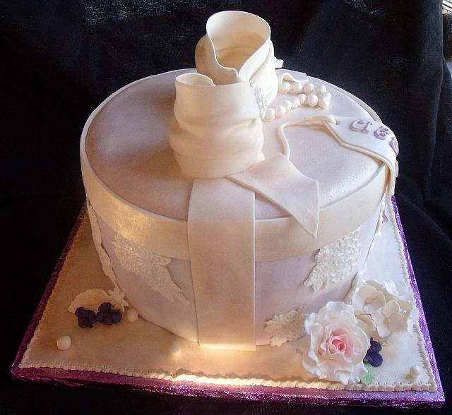 Victorian Themed Hat Box Fondant Cake side view