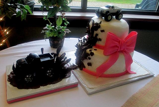 mud truck wedding cakes. Black Bedroom Furniture Sets. Home Design Ideas