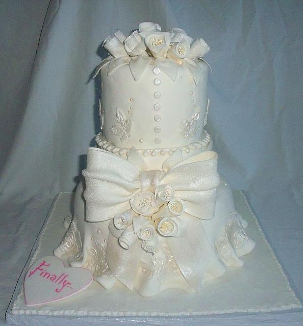 Elegant White Wedding Cake main view