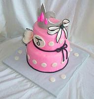 Barbie Princess Theme Fondant Cake with Crown, Bows top view
