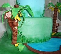 Gumpaste Monkey in Banana Trees close up