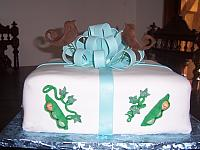 Baby Shower Present Cake with Baby PeaPods
