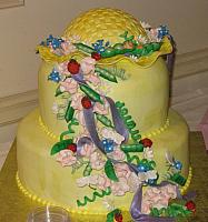 Baby shower cake with peapods