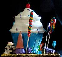 CupcakeLargeWithCandyIceCreamConesCakeSideView