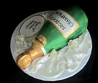 ChampagneBottleCakeMoscatoTopView
