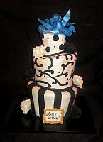 Topsy Turvy Black And White Scantlin Cake