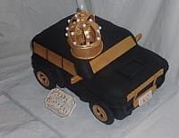 2010 Hummer Car Cake With Edible Gumpaste King's Crown main view