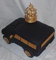 2010 Hummer Car Cake With Edible Gumpaste King's Crown top view