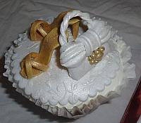 Edible Gold Shoes and Gold/White Purse on Cupcake