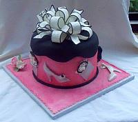Sweet Sixteen Fashion and Shopping Themed Fondant Present Cake back view