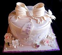 Victorian Themed Hat Box Fondant Cake