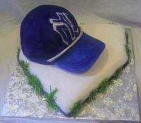 New York Yankees baseball cap cake on homeplate cake view 1