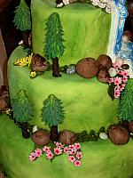 WeddingCakeOutdoorsThemeWaterfallTreesCloseUp2